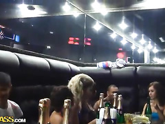 Chicks and dudes are fucking at the night club